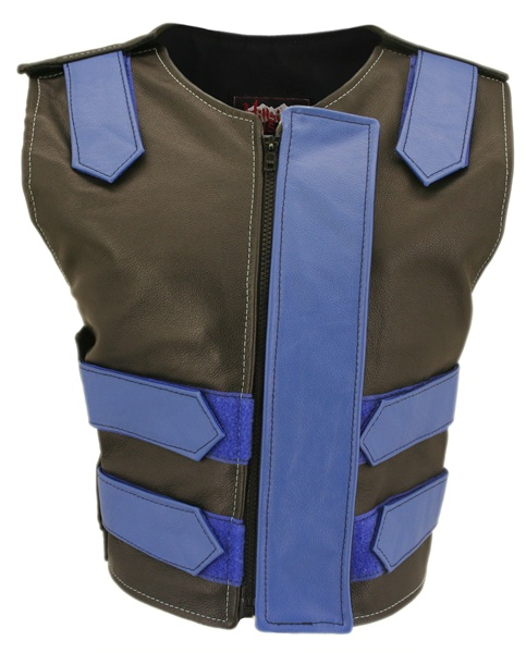 This is the highly stylish Original Tactical style vest with Removable flap by Hillside USA. This versatile vest has been beautifully designed in 1.2 top grain cowhide leather for the perfect finishing touch. This original style is loaded with innovating